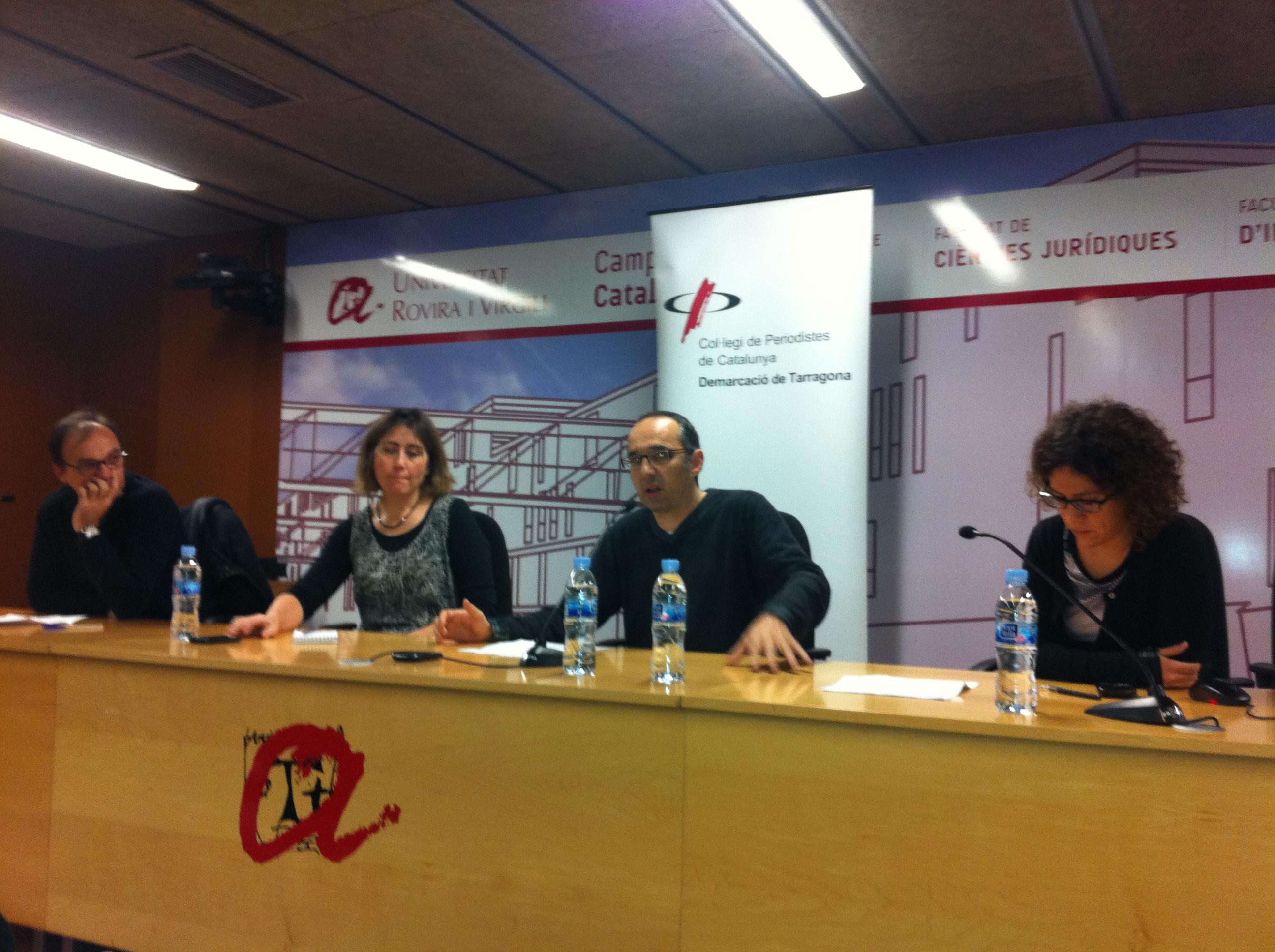 D'esquerra a dreta, Quicò Domènech, Sara Sans, Toni Orensanz i Ruth Troyano. (Foto: Col·legi de Periodistes)