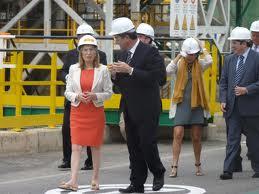 La ministra de Foment en la seva visita a Repsol el passat mes de juliol (foto: AEQT)