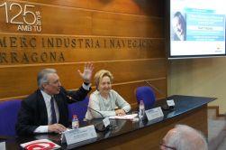 El periodista, acompanyat de Laura Roigé, membre del comitè executiu de la Cambra de Tarragona