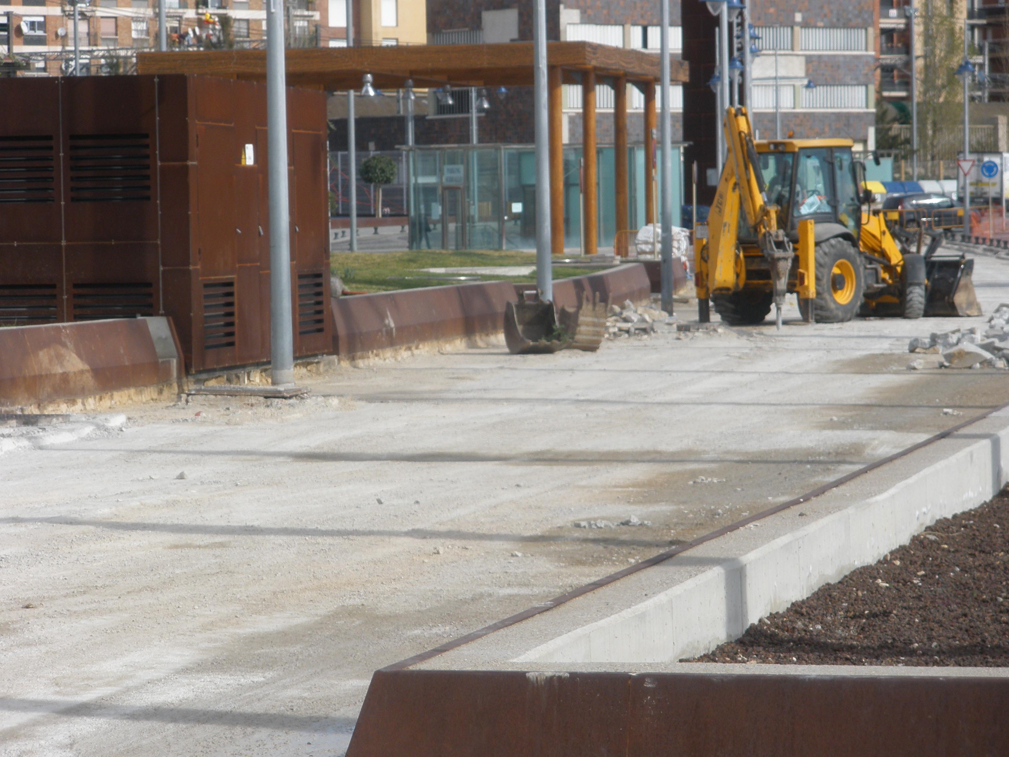 Les obres de pavimentació del carrer Trafalgar s'hauran enllestit amb l'inici de les jornades gastronòmiques