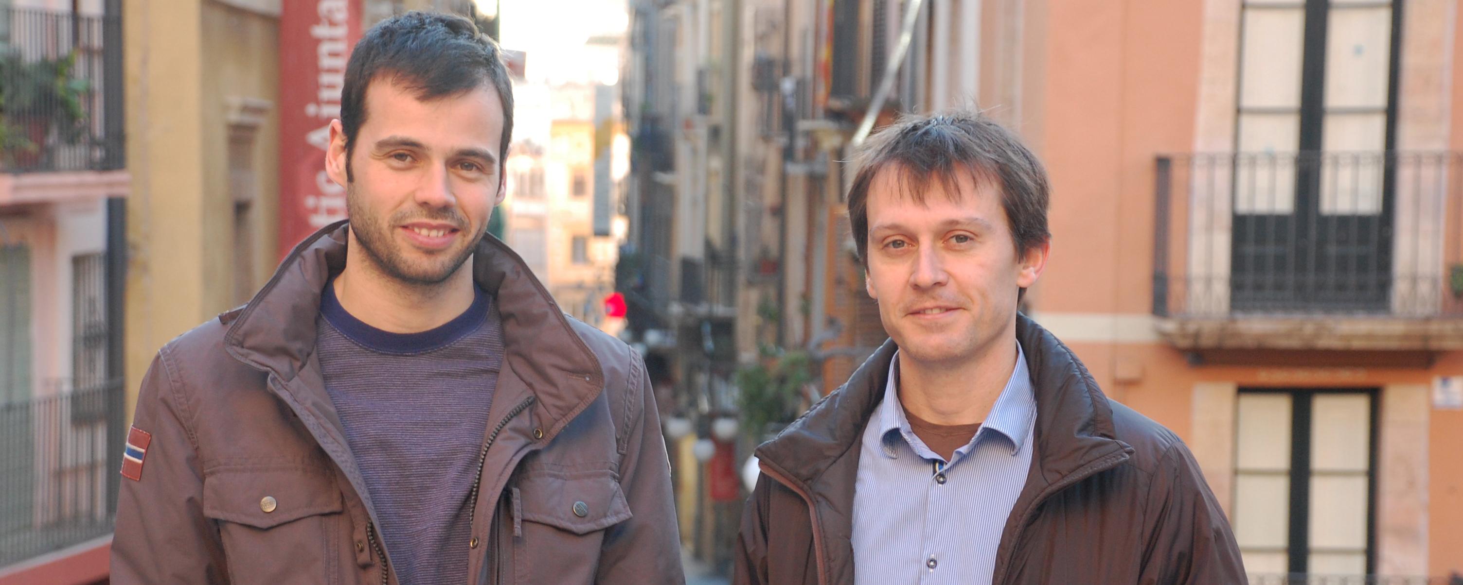 Peiró i Sentís, caps de colla dels Xiquets i la Jove, conversen amb el Fet a Tarragona.