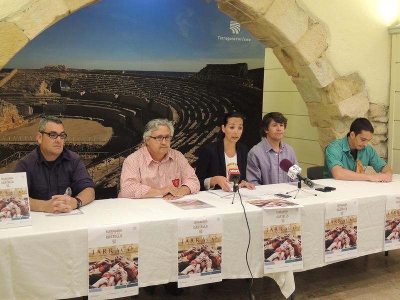 """L'espai municipal de Turisme, al carrer Major, va ser el lloc triat per fer la presentació de """"Tarragona, ciutat de castells"""""""