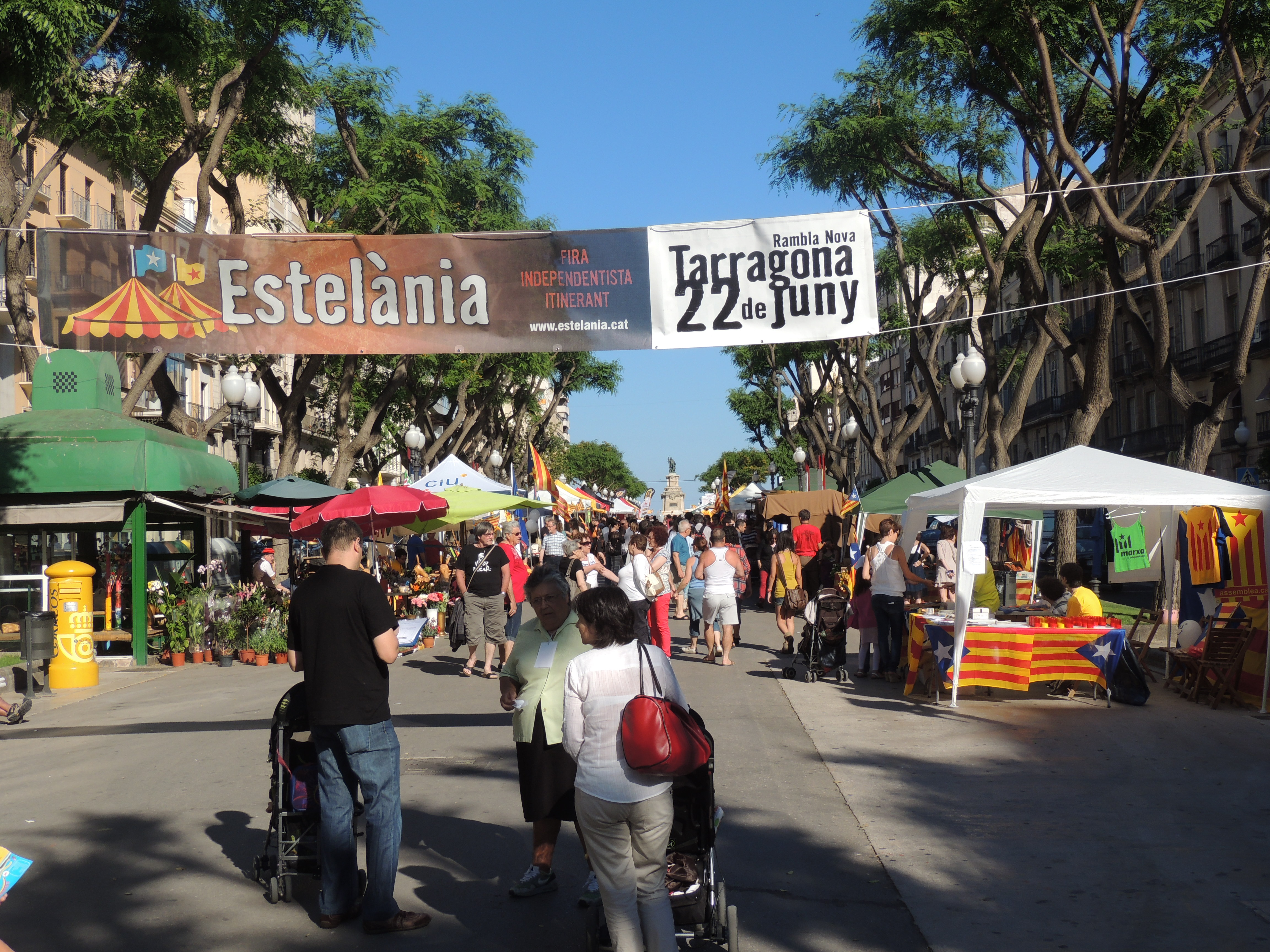 La fira Estelània va atraure l'atenció de força públic.