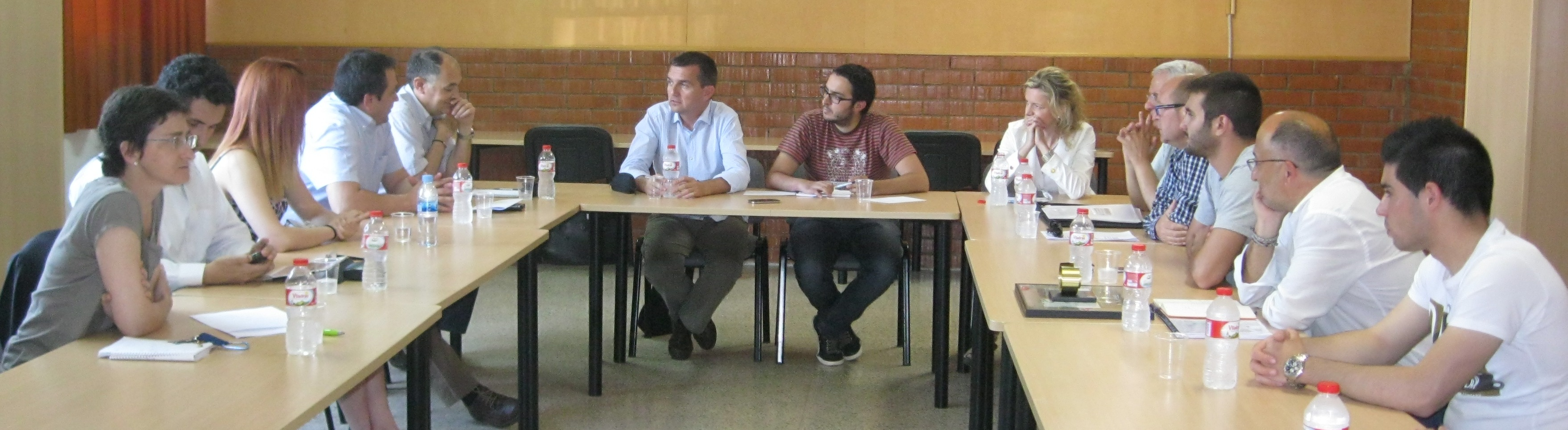 Imatge dels participants a la trobada a l'Institut Comte de Rius. (foto: Comte de Rius)