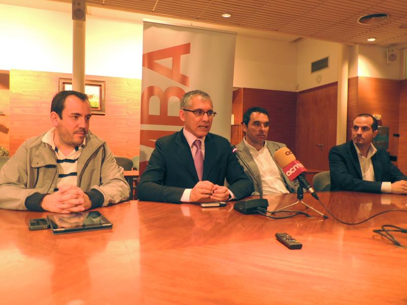 D'esquerra a dreta: Josep Maria Basses, Joan Ramon Alabart (director del màster), Javier Garrido i Jorge Ruiz
