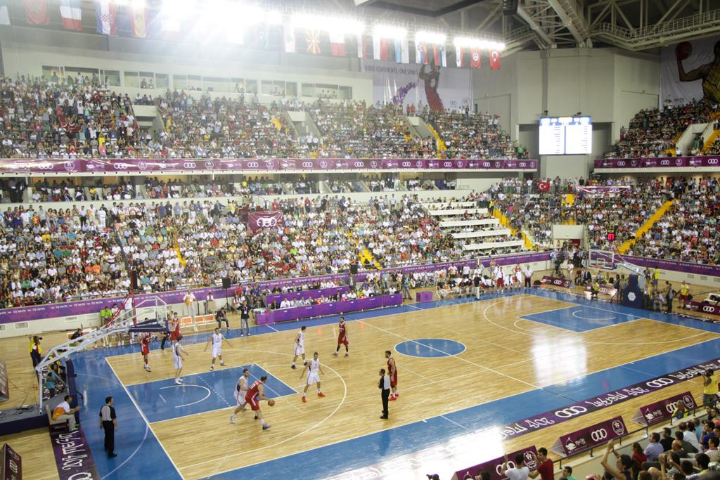 Aspecte del pavelló on es va jugar la final de bàsquet dels Jocs de Mersin (foto: Tarragona 2017)