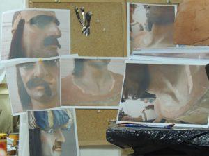 Fotografies del Gegant Moro, que són la base que utilitza Cantos per fer-ne una rèplica per als més petits.