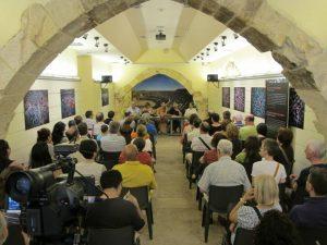 """Acte de  presentació del llibre """"A peu per Tàrraco"""" a l'Espai Turisme del carrer Major (foto: Ivan Rodon)"""