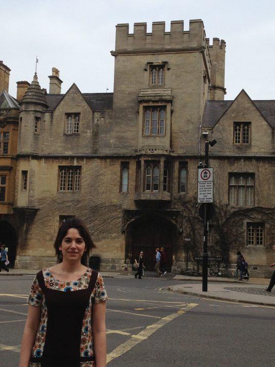 L'autora de l'article, Marina Massaguer, a la ciutat d'Oxford