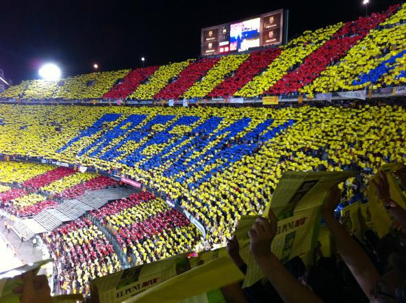 """El moment més emotiu i espectacular del Concert per la Llibertat: el mosaic """"Freedom Catalonia 2014"""" (foto: cedida)"""