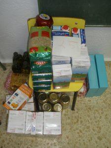 Un dels lots preparats per a una de les famílies del Centre Obert de la Fundació Casal l'Amic