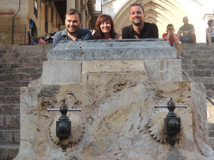 El president, Jordi Viñolas, acompanyat de Laura Navarro i Eloi Maroto, dos dels quinze integrants de l'entitat tarragonina.