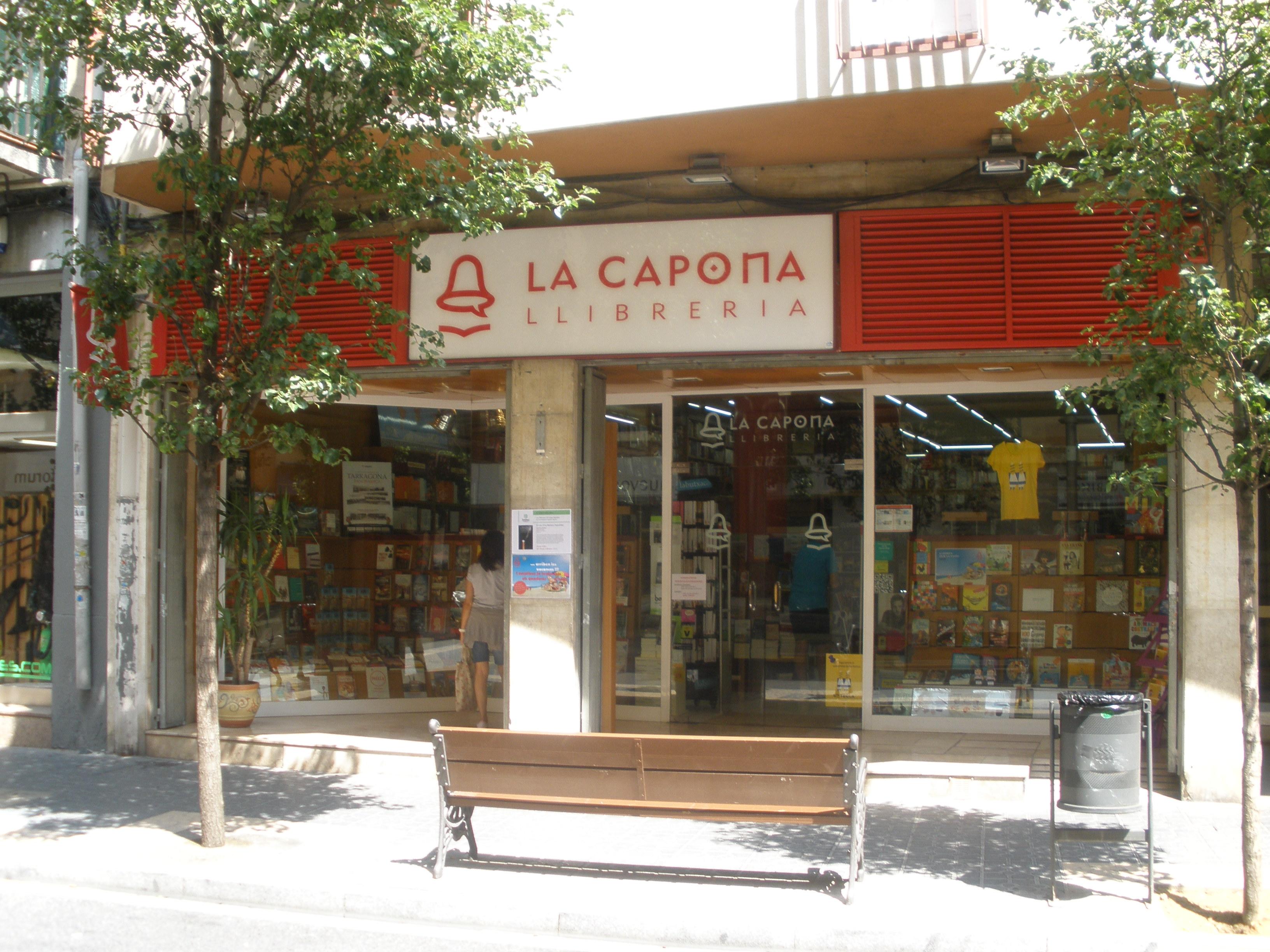 La Capona, al carrer Gasòmetre.
