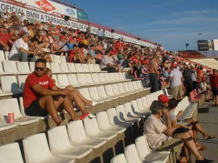 Aspecte de la graderia de Preferent, abans de començar el partit Nàstic-Lleida