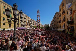 Actuació dels Xiquets de Tarragona a la plaça de la Font (foto: Rafael López-Monné)