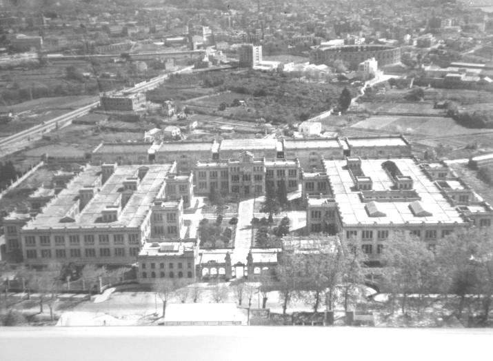 La Tabacalera, l'any 1929, quan començava la seva activitat situada a l'extraradi de Tarragona (foto cedida per l'Associació d'amics de Tabacalera)