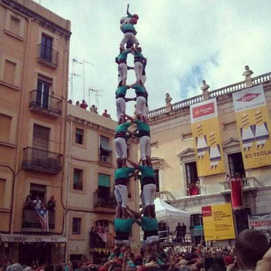 Quatre de nou net dels Castellers de Vilafranca, diumenge passat a la plaça de la Font (foto: Eixdiari)