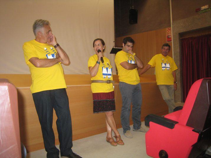A l'esquerra, Jean Marc Roget, fins ara president de Chartreuse. El segon per la dreta és Emmanuel Delafon, nou màxim responsable de la companyia. L'acte es fa a l'Antiga Audiència (foto: Pitu Rovira)