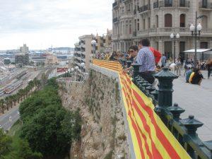 La senyera del Balcó durant la Diada