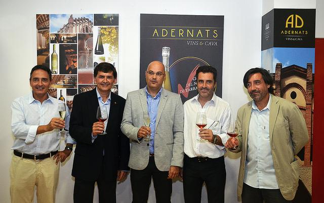 Un brindis per la inauguració de l'Espai Adernats al Nou Estadi. D'esquerra a dreta: Jaume Albareda, Josep M. Andreu, Joan Castellví, Jordi Virgili i Pere Gomés (foto: Gimnàstic de Tarragona)