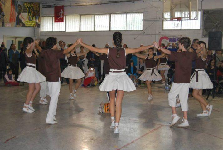 La colla infantil, Petits Tarragona Dansa, ballant durant la final del Campionat de Catalunya en la seva categoria, celebrada a Valls el passat 17 de novembre.