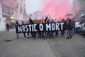 Entrada al Nou Estadi d'alguns aficionats del Nàstic. Foto: Nàstic