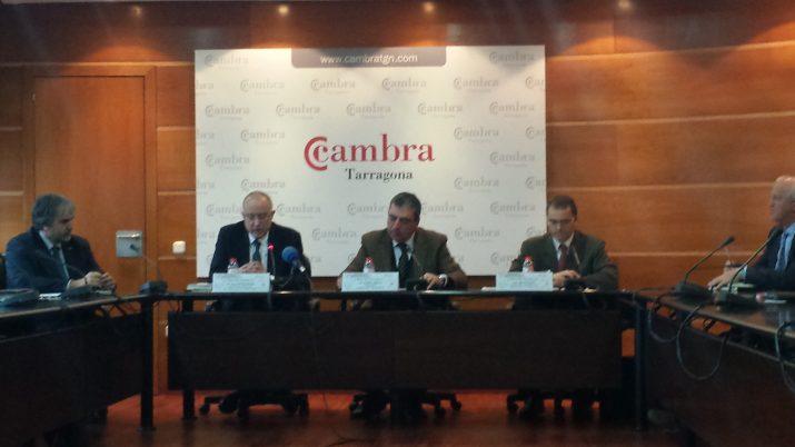 D'esquerra a dreta: Quim Nin, Salvador Cardús, Albert Abelló i Sergi Rovira, en l'acte celebrat a la Cambra de Comerç (foto: Josep Rovira)