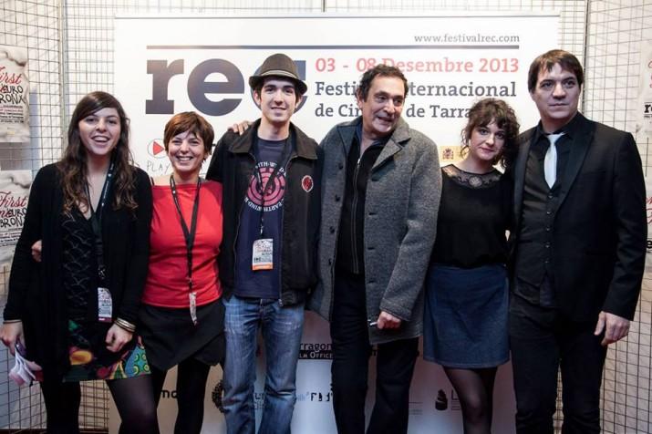 """Adrià Guxens, amb barret, al costat del director de """"Pa negre"""", Agustí Villaronga, aquest passat dijous al Festival REC de Tarragona"""