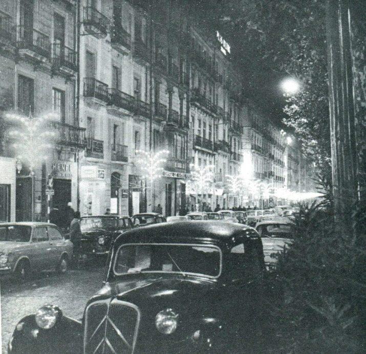 Il·luminació nadalenca l'any 1969 a la Rambla Nova. Una de les imatges publicades recentment a la pàgina de Facebook, Tarragona antiga (foto: arxiu Rafael Vidal)