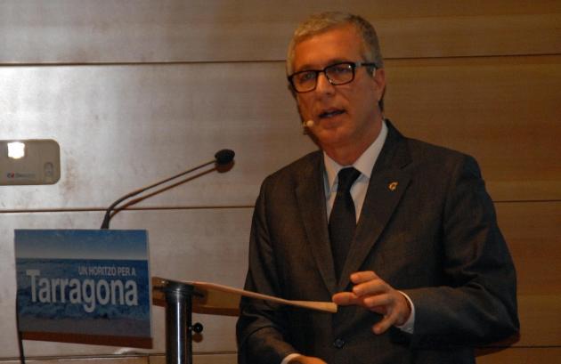 L'alcalde Ballesteros en la conferència sobre l'estat de la ciutat que va pronunciar a principis de 2013 (foto: PSC Tarragona)