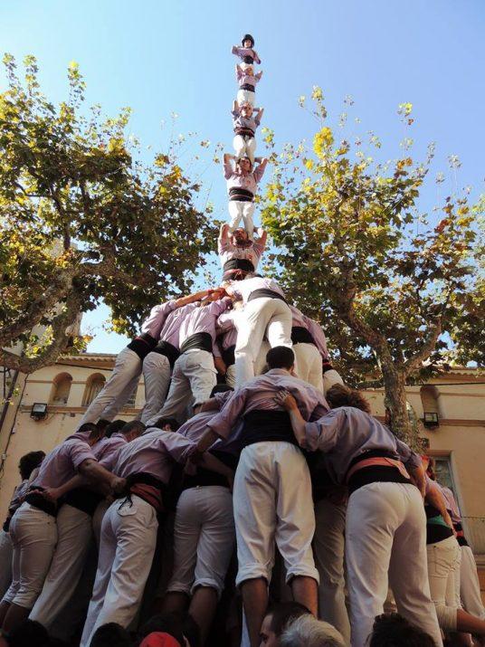 Jordi Sentís, al pilar de vuit amb folre i manilles de la Colla Jove de Tarragona, el passat 13 d'octubre de 2013 (Autoria: Jordi Forcadell).