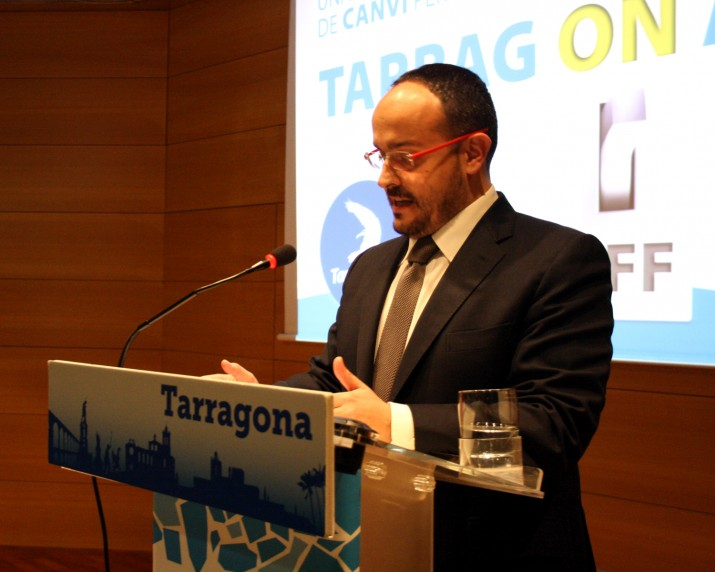Alejnadro Fernández en la seva conferència sobre l'estat de la ciutat pronunciada a principis de febrer (foto cedida pel Partit Popular)