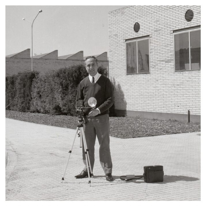 Josep Casanova Cañete, en una imatge de l'any 1970 a les instal·lacions d'IQA, empresa on va treballar