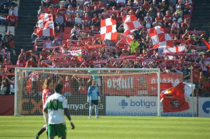 Imatge del Nou Estadi amb més de 8000 espectadors. Foto: Manuel López Mangrané