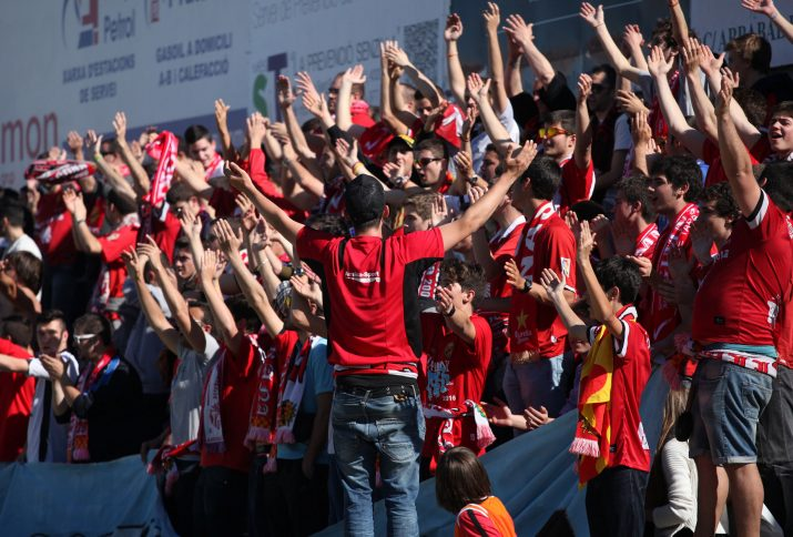 Sector d'aficionats del Nàstic que van omplir de vermell les grades del Municipal de Reus.  Foto: cedida L'Esportiu