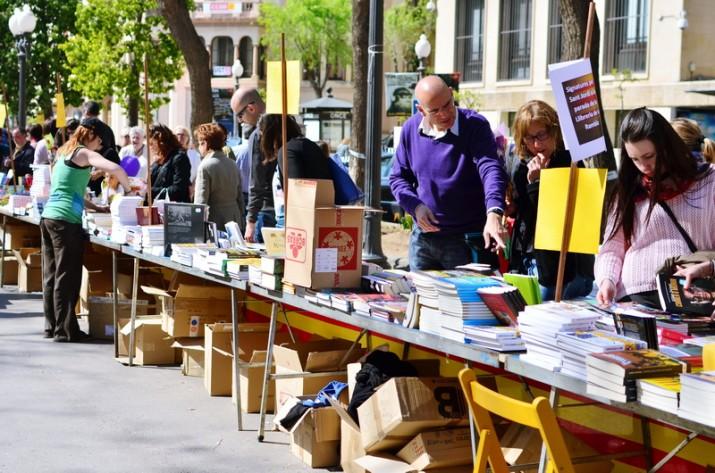 El dia de Sant Jordi trobareu les 4 revistes publicades del FET a TARRAGONA a la parada de la Llibreria de la Rambla, al tram central de la Rambla Nova