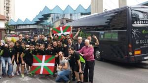 Plantilla i alguns aficionats abans de marxar cap a Albacete. Foto: Sestao River oficial