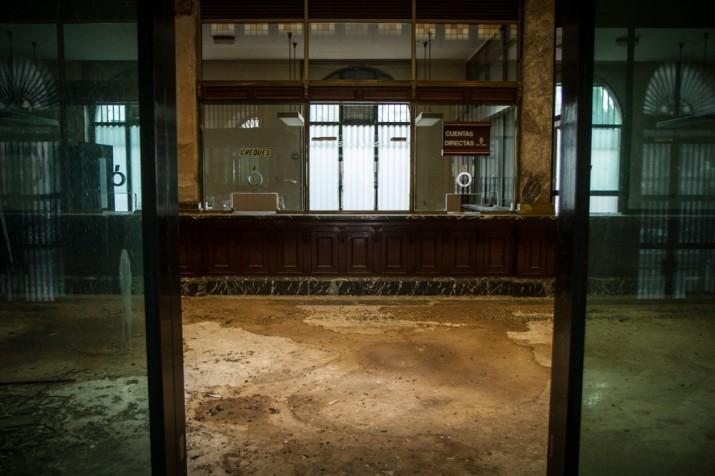 Imatge actual del vestíbul principal de l'edifici del Banc d'Espanya, a la Rambla Nova (foto: David Oliete)
