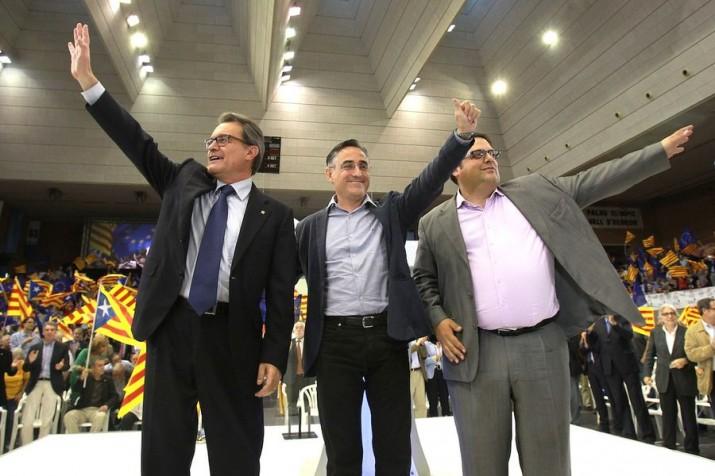 Artur Mas, Ramon Tremosa i Francesc Gambús, en un acte electoral de CiU (Foto: Pere Virgili - Ara)