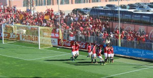Els jugadors del Nàstic després del gol de Lago jr.