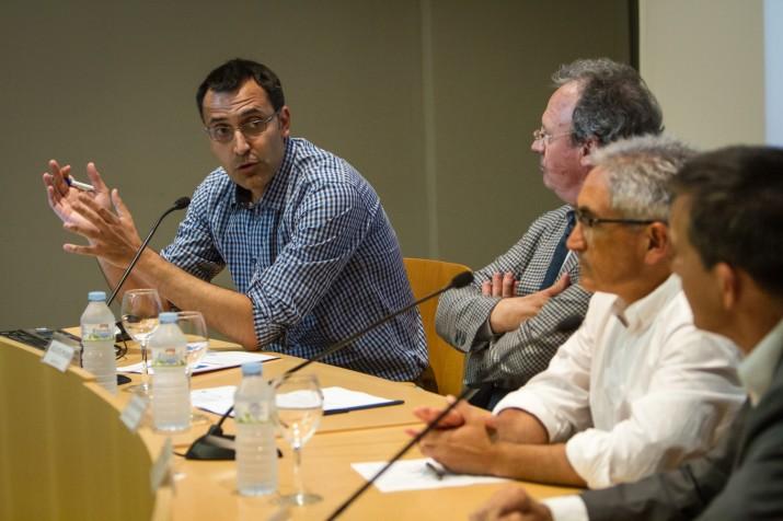 D'esquerra a dreta, Joan Miquel Carrillo, Agustí Pujol, Rafael López-Monné i el moderador, Ricard Lahoz, al debat de cloenda de Diàlegs 2014 (Fotografia: David Oliete)