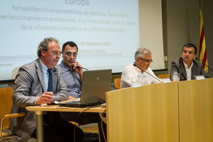 Niubó, Carrillo, López-Monné i el director del FET, durant un moment de la xerrada. (Fotografia: David Oliete)