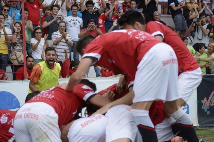 Pinya després del gol de Rocha foto:Nàstic