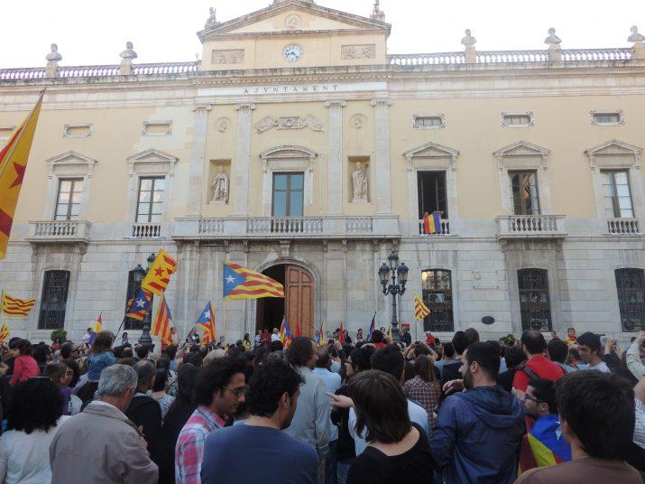 Imatge de la concentració que es va convocar ahir, a les 20h, a la plaça de la Font.
