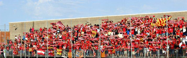 L'afició del Nàstic no va fallar i uns 1500 seguidors grana van acompanyar a l'equip fins a Llagostera amb entrada o sense.