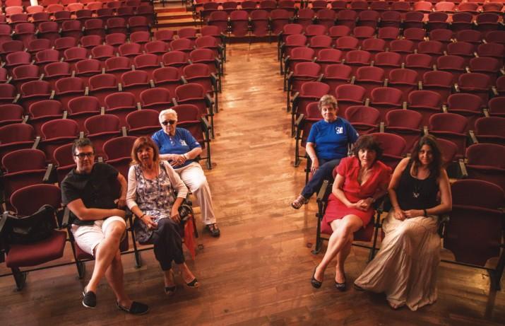 Components de diversos grups de teatre amateur de Tarragona, a la platea del Metropol (foto: David Oliete)
