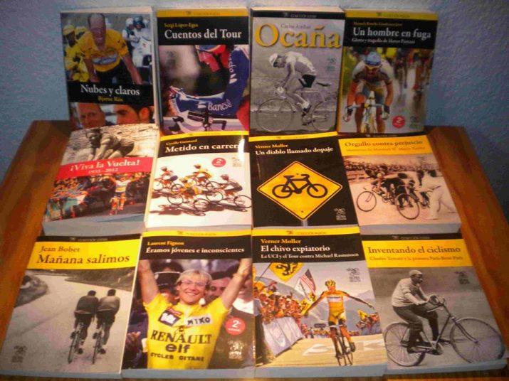 Mostra dels títols publicats per la microeditorial 'Cultura Ciclista' impulsada des de Tarragona per Bernat López