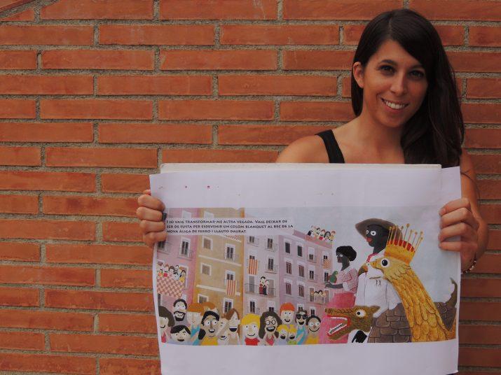 Marta Contreras ensenya un esbòs de les il·lustracions del conte que es presenta per Santa Tecla (foto: cedida)