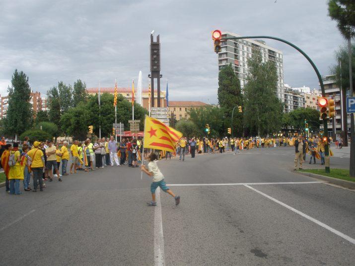 La Via Catalana de 2013, al seu pas per la plaça Imperial Tarraco