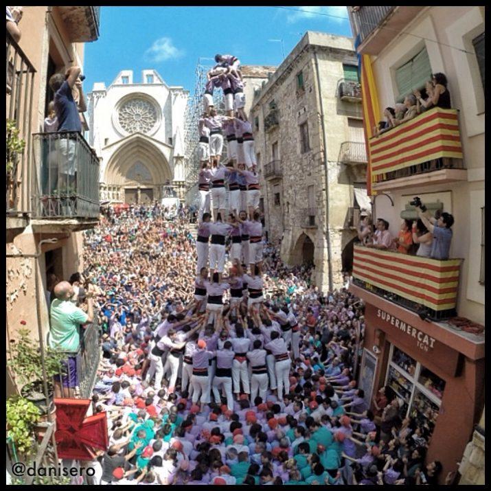Cinc de nou amb folre descarregat per la Colla Jove Xiquets de Tarragona (CEDIDA: Dani Seró).
